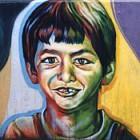 Ein Junge mit Zahnlücke